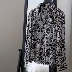 Black and White Print Long-Sleeved Blouse